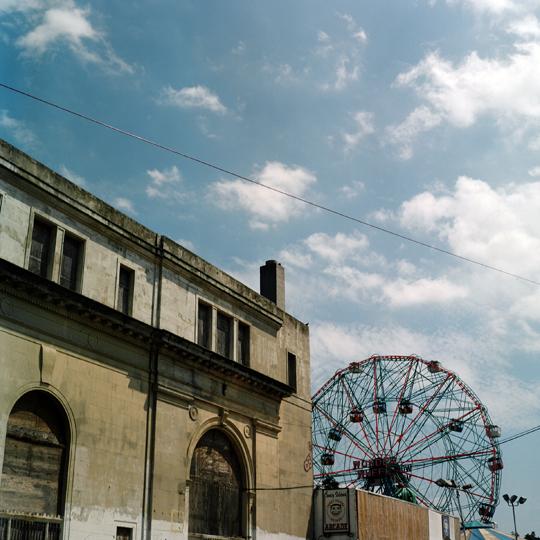 Coney Island/ Brooklyn, NY 2009 / Annie-Ève Dumontier