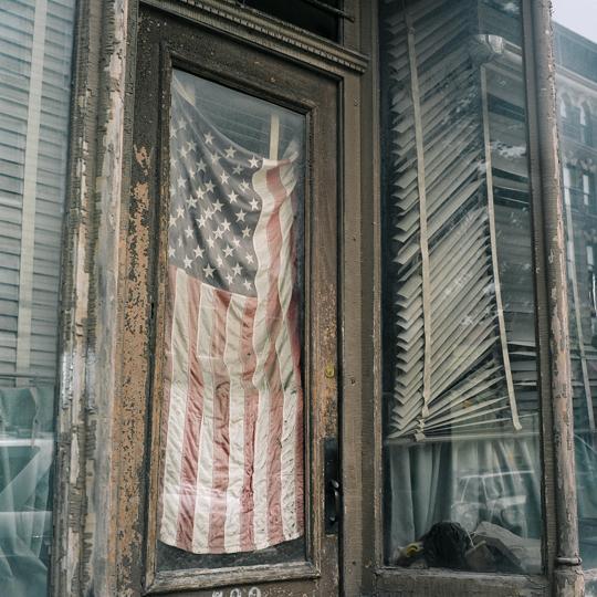 drapeau/ Brooklyn, NY 2010 / Annie-Ève Dumontier